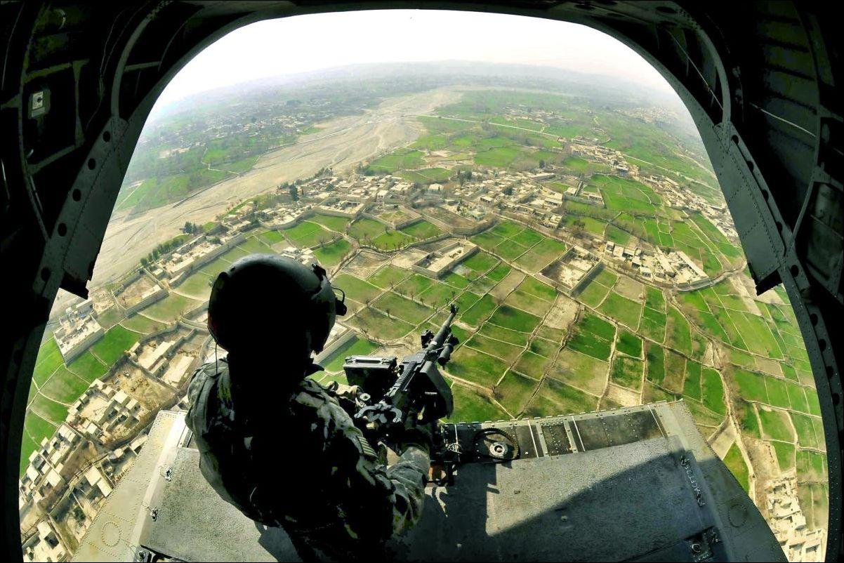 чтобы фото вид из военного вертолета как правило